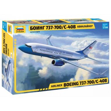 7027 Звезда Пассажирский авиалайнер Боинг 737-700/С-40B, 1/144