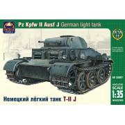35007 ARK-models Немецкий лёгкий танк Pz.Kpfw.II Ausf.J, 1/35
