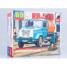 1256KIT AVD models Cборная модель Вакуумная машина КО-520 (4333), 1/43