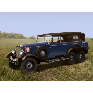 35532 ICM Typ G4 (W31) с раскрытым тентом Германский пассажирский автомобиль II МВ, 1/35