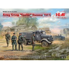 DS3502 ICM Группа армий Центр, лето 1941 г. (Kfz.1, Typ L3000S, германская пехота (4 фигуры), германские водители (4 фигуры)), 1/35