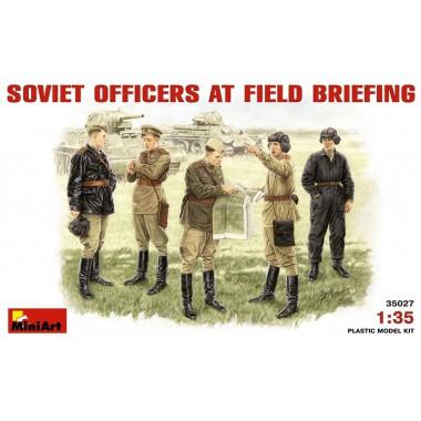 35027 MiniArt Фигуры SOVIET OFFICERS AT FIELD BRIEFING, 1/35