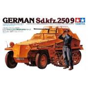 35115 Tamiya Полугусеничный легкий БТР разведки Sd.kfz.250/9 с 20-мм пушкой, наборные траки, 1 фигура , 1/35