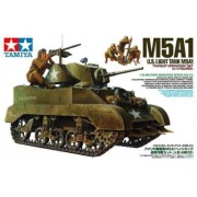 35313 Tamiya Американский легкий танк М5А1 с фигурой пулеметчика и тремя минометчиками, 1/35