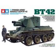 35318 Tamiya Финское штурмовое орудие БТ-42 на базе трофейного советского танка БТ-7, с набором фототравления и фигурой танкиста, 1/35